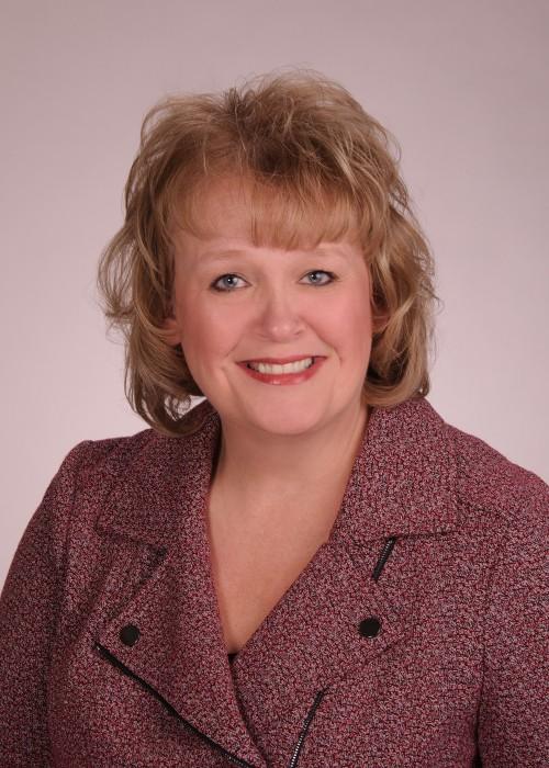 Headshot of Cindy Luedeman